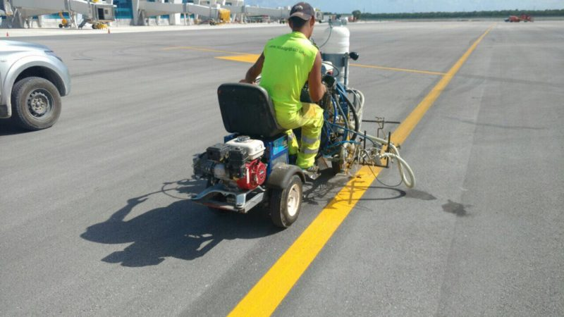airport line marking