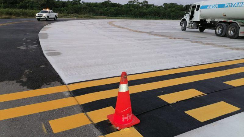 curved grooving runway