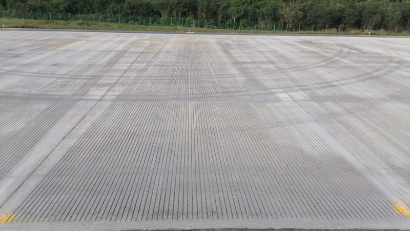 grooved airport taxiway