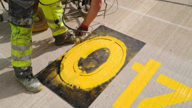 line marking by hand