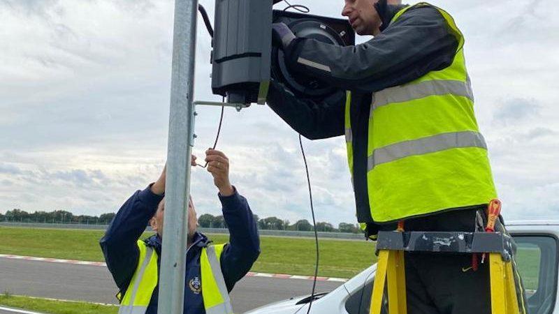 motorsport traffic light warning system