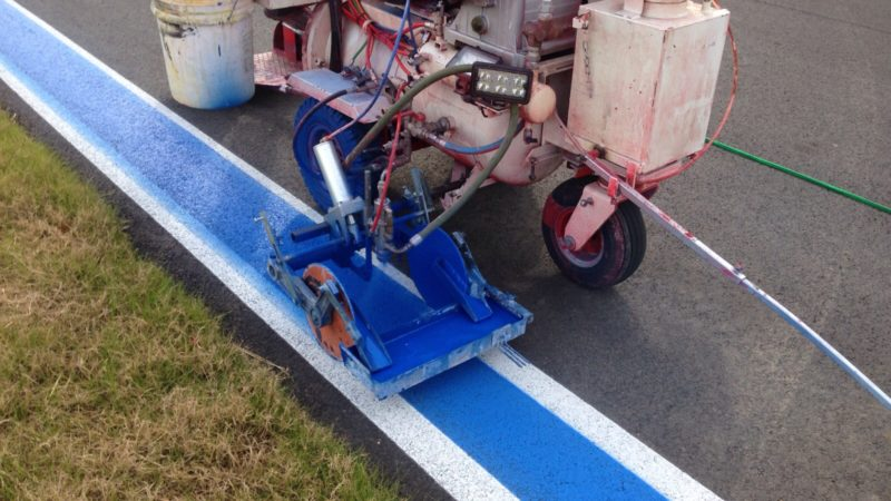 race track line painting