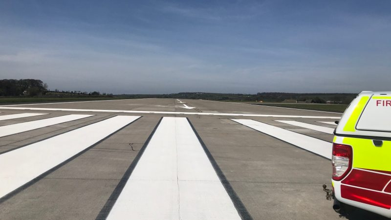 runway contrast markings