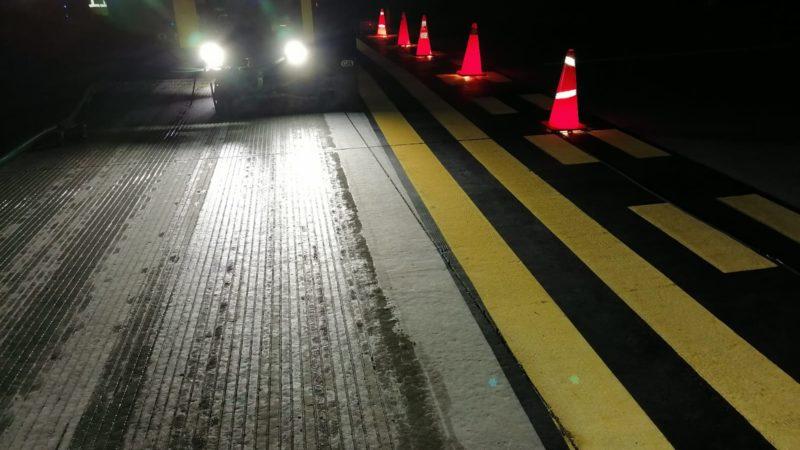 runway grooving at night roadgrip