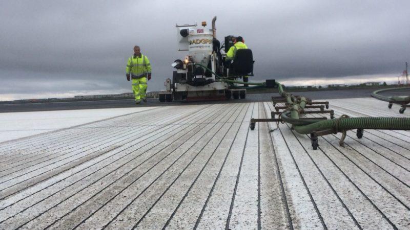 runway grooving roadgrip snow