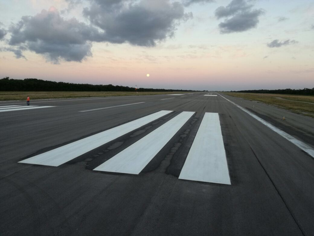 A Quick Guide to Airfield Line Markings - Roadgrip