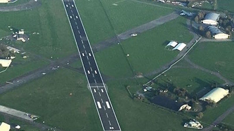 runway marking cotswold airport