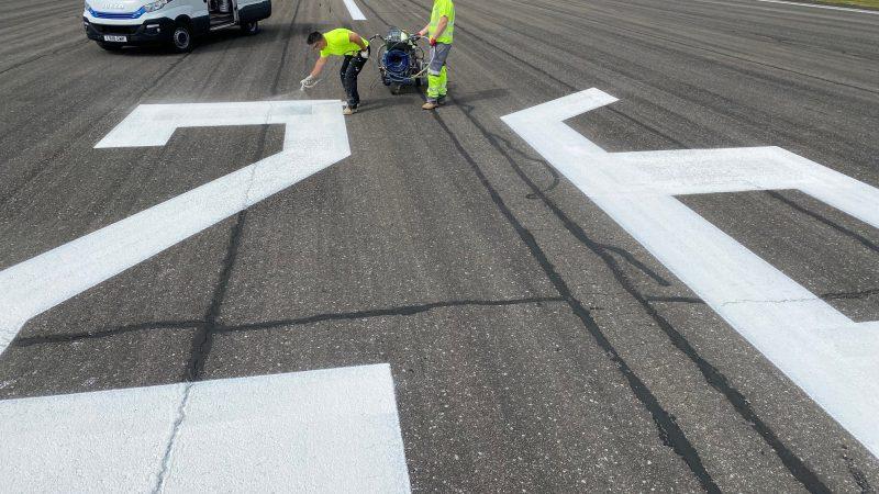 runway marking roadgrip