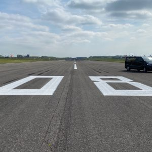 runway markings roadgrip
