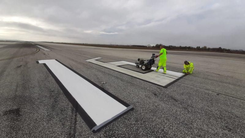 runway number painting refresh