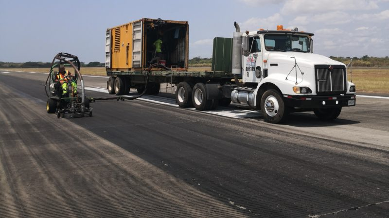 runway rubber removal panama