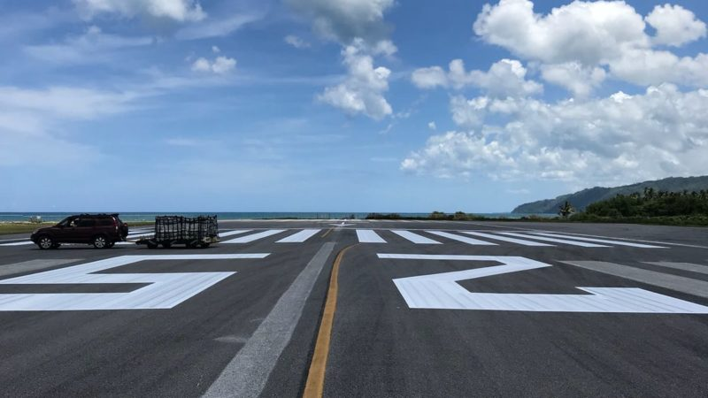 airport markings samana