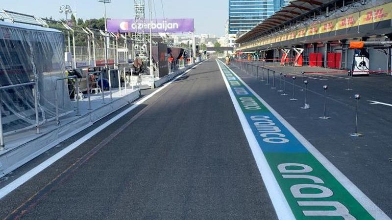 sponsor marking F1 roadgrip