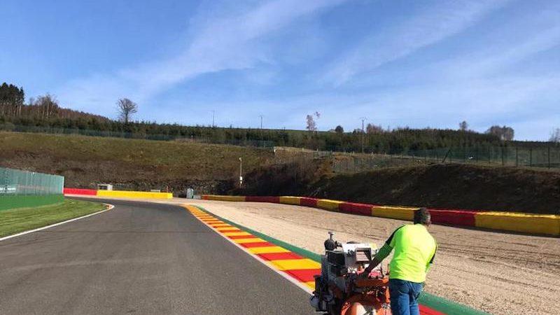 track marking F1