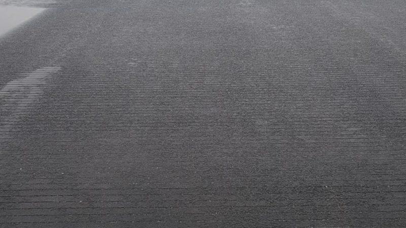 wet runway grooving