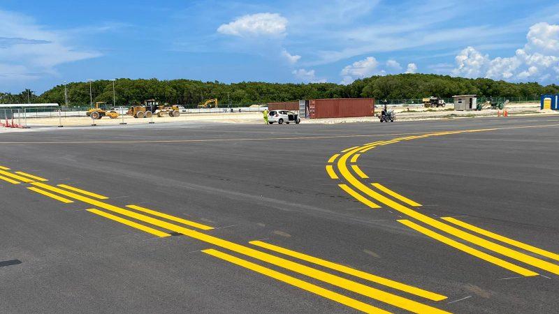 yellow runway markings